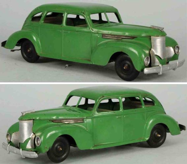 Keystone Tin-Oldtimer Pressed steel automobile wind-up toy in green, with separate