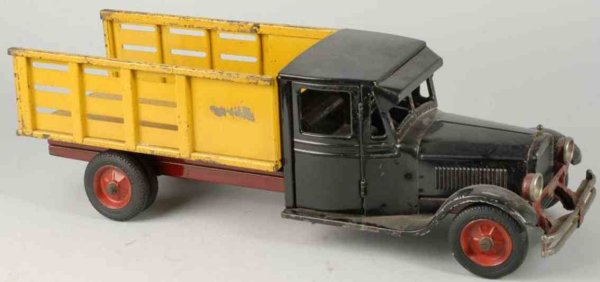 Buddy L Tin-Trucks Baggage truck of pressed steel with enclosed front cab with