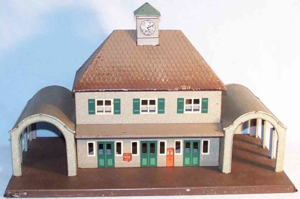 Bub Railway-Stations made of tin with two side passages with arched roof, lithogr