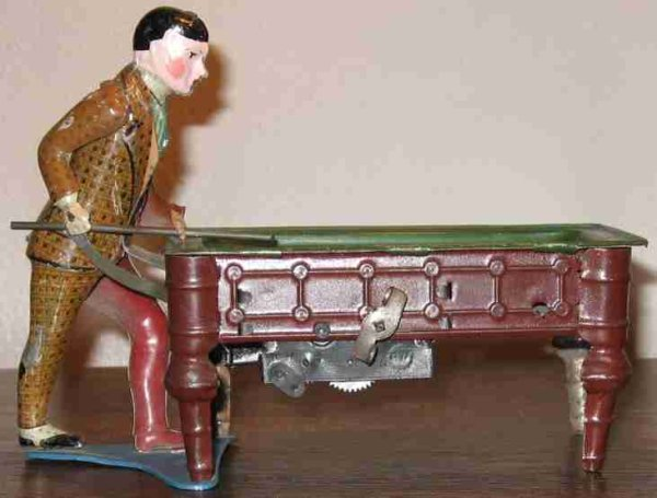 Guenthermann Tin-Figures billiard player with original paint and lithography. This fo
