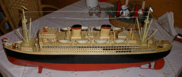 Fleischmann Tin-Ships Bremen #520/80 the fastest ship of the world! In 1931 the  s