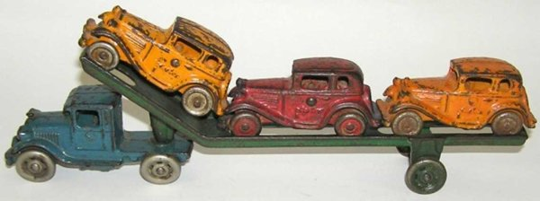 Williams AC Cast-Iron trucks Cast iron carrier car includes the tractor and trailer with
