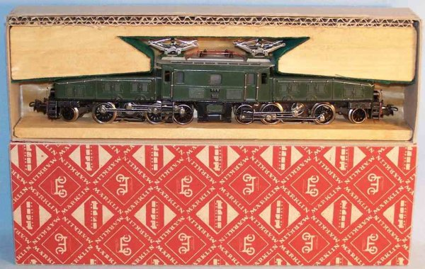 Maerklin Railway-Locomotives Crocodile freight locomotive CCS 800-8 from injection moldin
