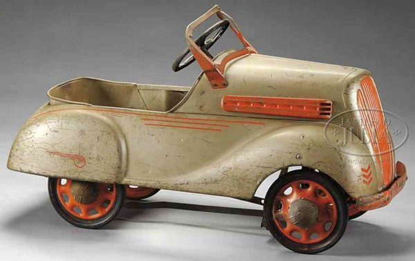 Steelcraft Tin-pedal cars Chevrolet pedal car unusual sleek design painted in tan and
