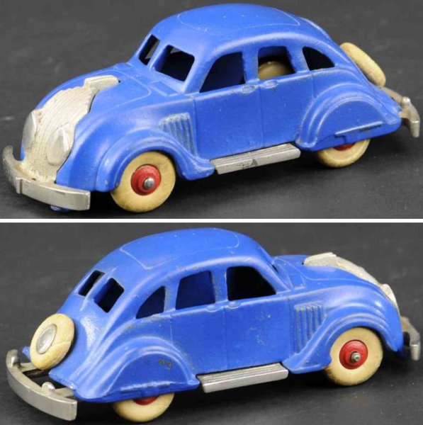 Hubley Cast-Iron Oldtimer Chrysler airflow made of cast iron, painted in blue with nic