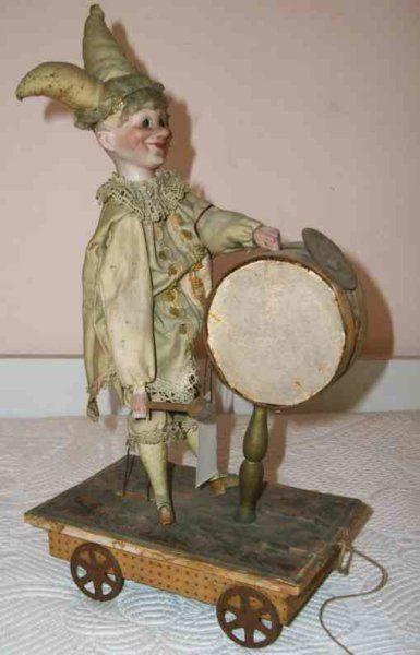 Unknown Tin-Automata Small automaton, pulling the wagon the automaton might beat