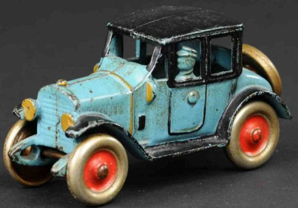 Kenton Hardware Co Cast-Iron Oldtimer Coupe made of cast iron, painted in blue body, black roof an