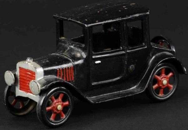 Grey Iron Casting Company Cast-Iron Oldtimer Coupe made of cast iron, painted in black overall with