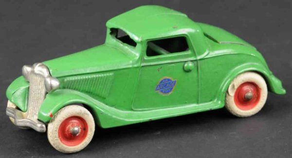 Arcade Cast-Iron Oldtimer Coupe with rumble seat made of cast iron, painted in green o