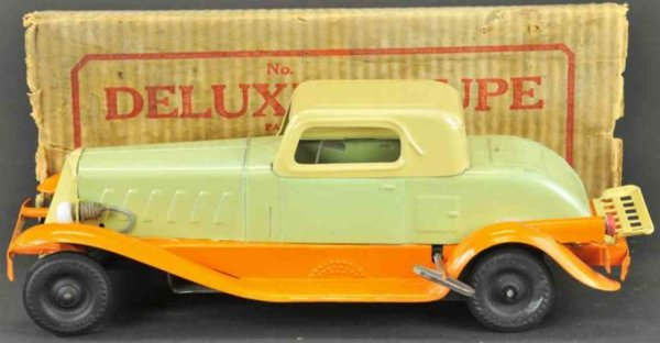 Girard Tin-Oldtimer Pierce-Arrow Coupe  done in light green body, cream roof and