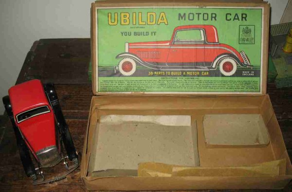 Chad Valley Co Ltd. Tin-Kit-Cars Ubilda tin toy construcktion set made by Chad Valley with or