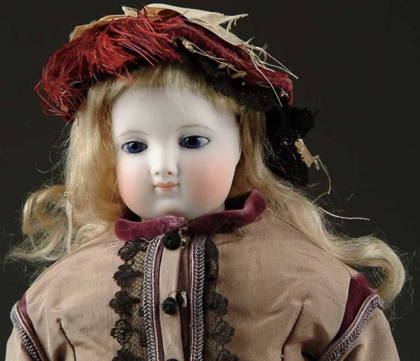 Barrois E. Dolls  A refined French fashion lady with a stiff neck, very pale