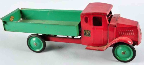 Steelcraft Tin-Trucks Mack dump truck, made of pressed steel, Mack decals on bot