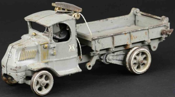 Arcade Cast-Iron trucks Dump truck, cast iron, Mack, painted in grey overall, decal
