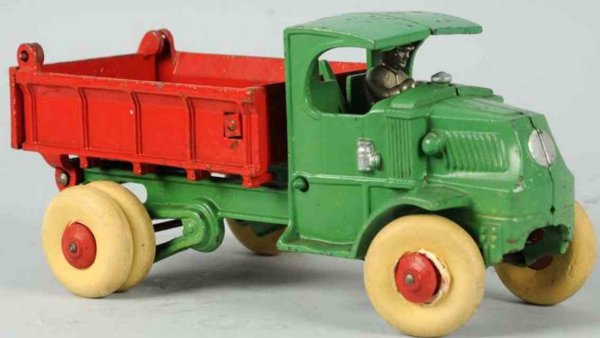 Hubley Cast-Iron trucks Cast iron hydraulic dump truck in green and red, includes or