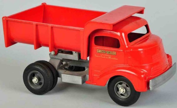 Smith-Miller Tin-Trucks Dump truck made of pressed steel, Ratchet gear dump, painted