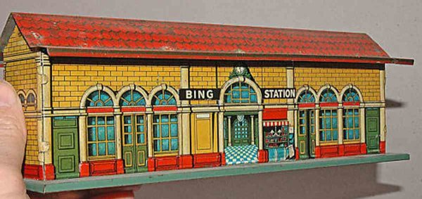 Bing Railway-Stations English station #13813/0, fine polychrom japanning, correct