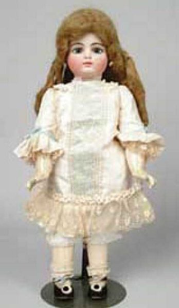 Unknown Dolls Closed mouth French child, pale bisque accentuated by blue p