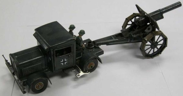 Tippco Military-Vehicles Truck with field cannon and 4 seated soldiers with windup, t
