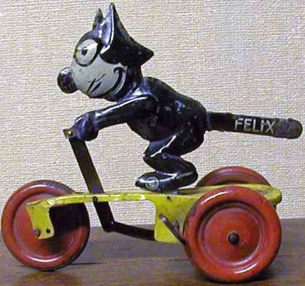 Guenthermann Tin-Figures Felix The Cat wind-up toy with built in key. This was one of