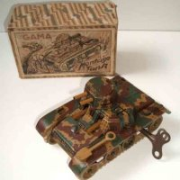 GAMA Military-Vehicles Tank of sheet metal with clockwork