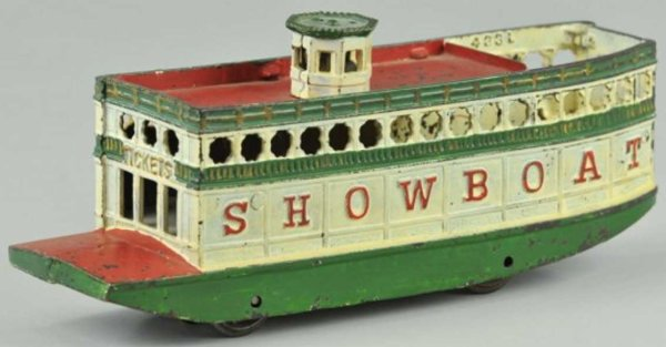 Arcade Cast-Iron-Ships Steamboat of cast iron, painted in white body, green hull, r