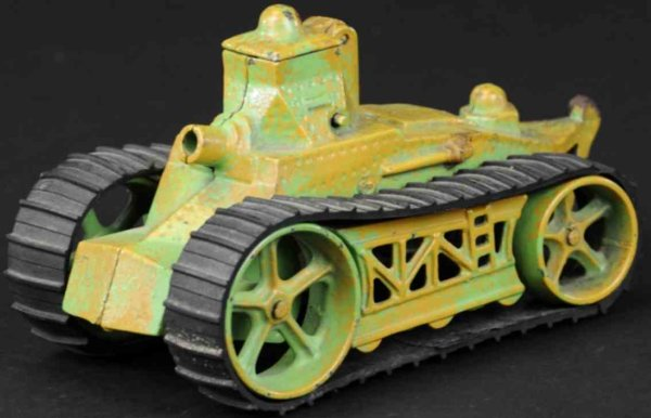 Arcade Military-Vehicles Army tank, cast iron, painted in camouflaged  green pattern,