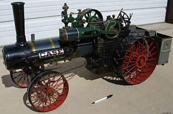 Case Jerome Steam Engines-Mobile Lokomobile Live steam tractor. It appears to be a ¼ scale model. It