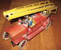 Distler Tin-Fire-Truck Tinplate clockwork fire engine...