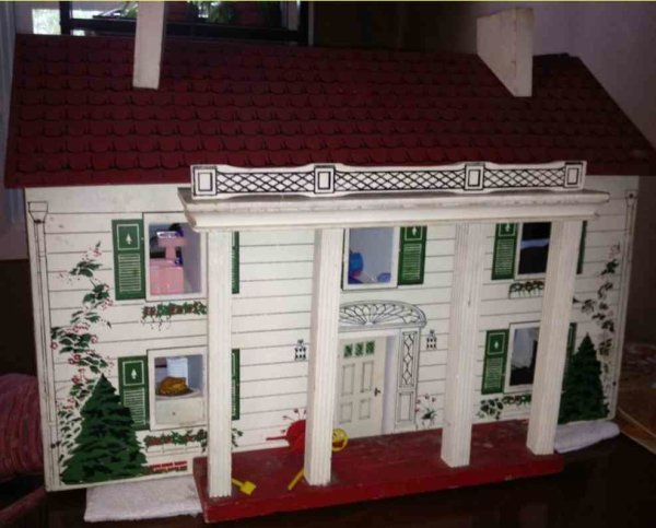 Rich Toys Inc. Dollshouses -Accessories Colonial style dollhouse with furnishings included. Fiberboa