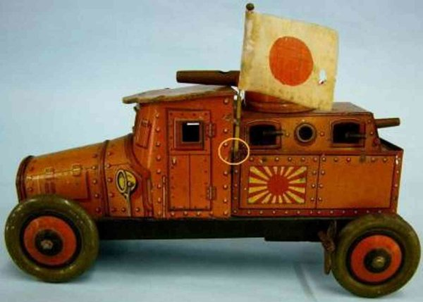 Meiji Military-Vehicles Tank car lithographed tin with spring motor
