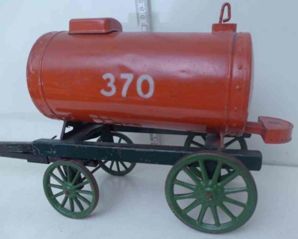 Bing Tin-Other-Vehicles Sprinkler with kettle made ??of sheet metal, hand painted in