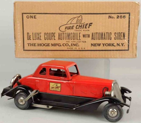 Hoge Mfg Co. Tin-Fire-Truck Fire chief car of pressed steel with wind-up, battery-operat