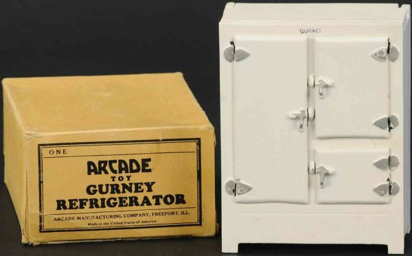 Arcade Tin-Kitchens and Amenities Toy refrigerator made of pressed steel in white, stamped Gu