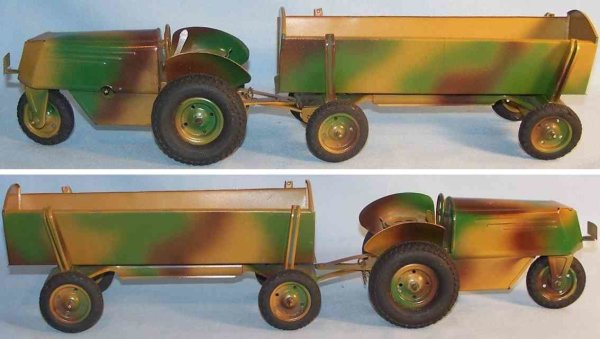 ERCO Tin-Tugs/Rollers Three wheeled tractor with trailer and clockwork, made of ti