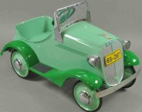 Steelcraft Tin-pedal cars Buick pedal car, pressed steel,...