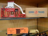 Lionel Railway-Buildings Ice depot made of plastic with...