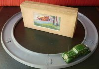 Distler Tin-Highway Oldtimer round race track with green car