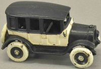 Arcade Cast-Iron Oldtimer Black and white taxi cab, cast...