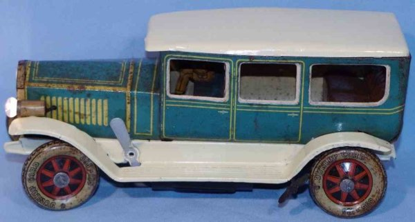 Tippco Tin-Oldtimer Travel limousine made of tin, lithographed in different colo