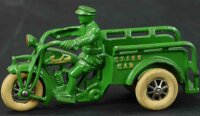 Hubley Cast-Iron-Motorcycles Small Indian crash car, cast...