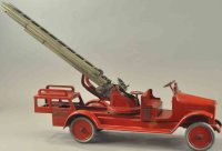 Buddy L Tin-Fire-Truck Brass crank aerial ladder, pressed...