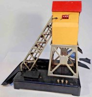 Lionel Railway-Freight Station/Accessories Motorized coal...