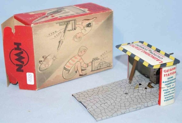 Wimmer Heinrich HWN Tin-Toys Launcher #136 for rocket or cars, made of tin, lithographed