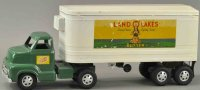 Dunwell Metal Products Company Tin-Trucks Land O Lakes...