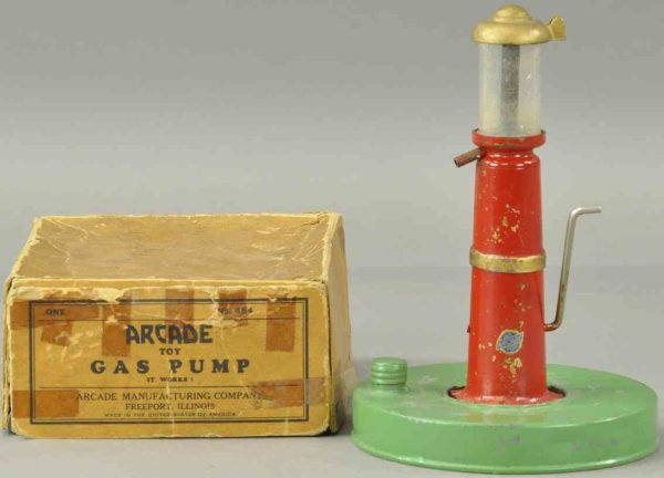 Arcade Tin-Others Gasoline pump #484 with hand crank, carce accessory with sel