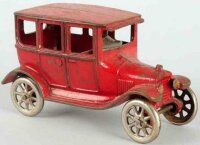 Arcade Cast-Iron Oldtimer Ford model T sedan made of cast...