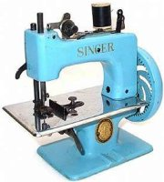 Singer Toy sewing machines Toy sewing maching #2010 light...