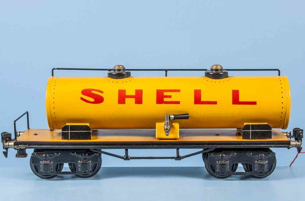 Maerklin Railway-Freight Wagons Tank car #1854/1with eight wheels, yellow hand-coated, red l