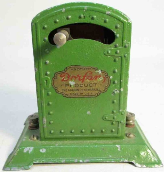 Dorfan Railway-Rails/Power Circuit breaker #446 made of diecast.  It is original green